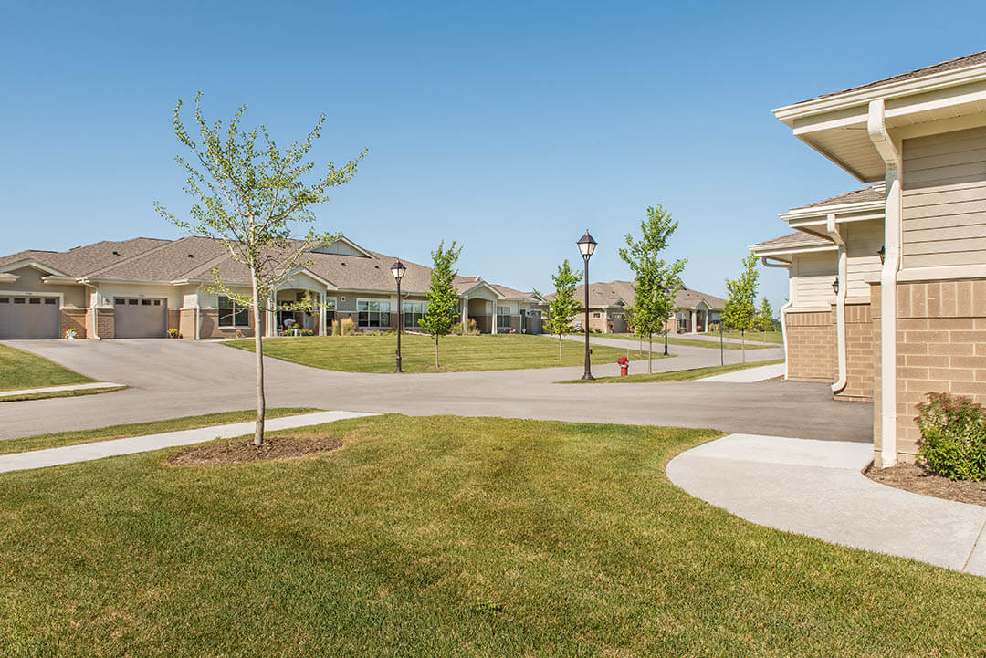 AG-Arch-senior-living-Village-Pointe-Commons-01